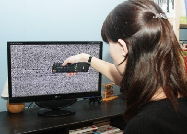 Why digital television does not work and where to go