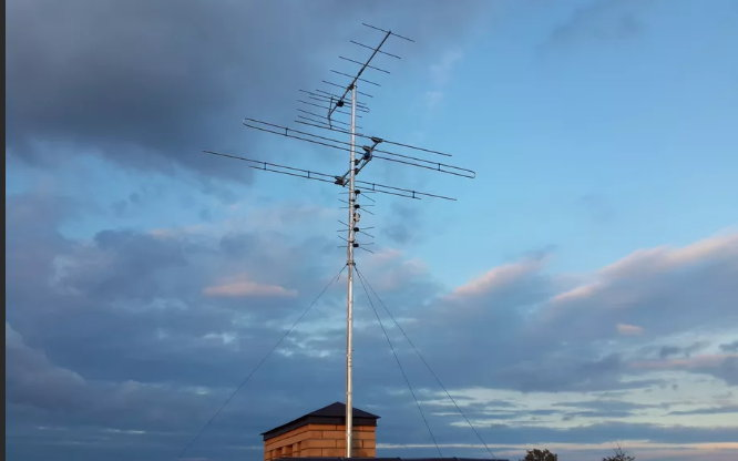 How to connect to a common house collective antenna to watch digital TV